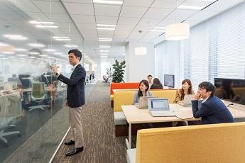 社員のクリエイティビティを刺激するオフィス