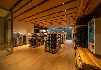 新たな店舗デザインとストーリーのあるマテリアルの提案 2